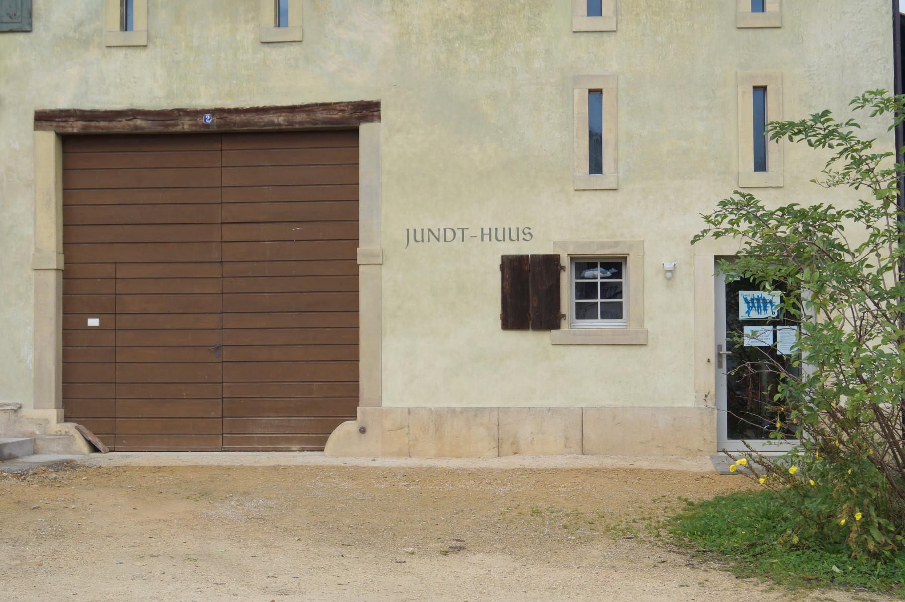 Das Haus trägt den Namen des Stifters