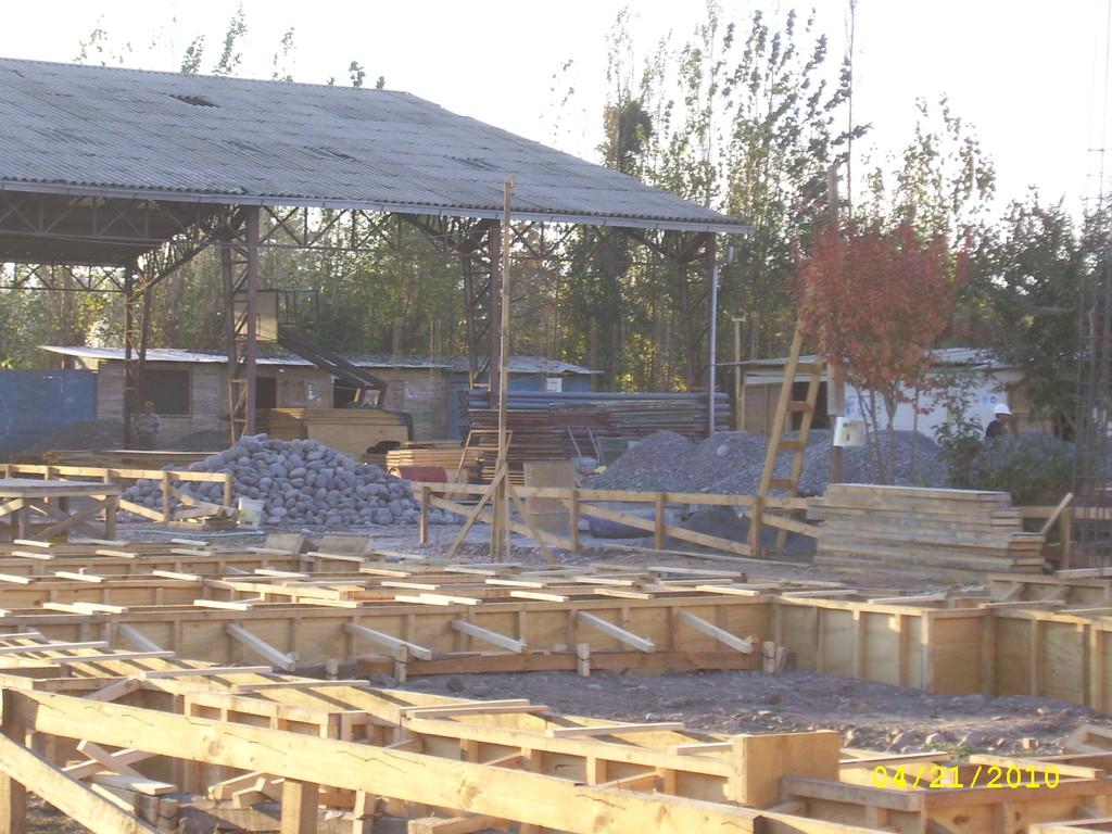 Nueva Construcción Escuela F-449  de Peor Es Nada
