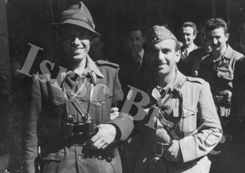 L'imboscata di Curino 8 maggio 1944 (Archivio fotografico dell'Istituto per la storia della Resistenza e della società contemporanea nel Biellese, nel Vercellese e in Valsesia, fondo Moscatelli)