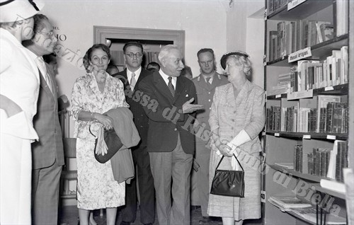 La visita alle sale (Fondazione Cassa di Risparmio di Biella, archivio Lino Cremon)