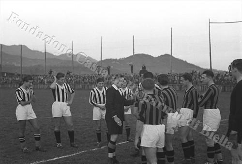 La scelta del campo (Fondazione Cassa di Risparmio di Biella, archivio Cesare Valerio)