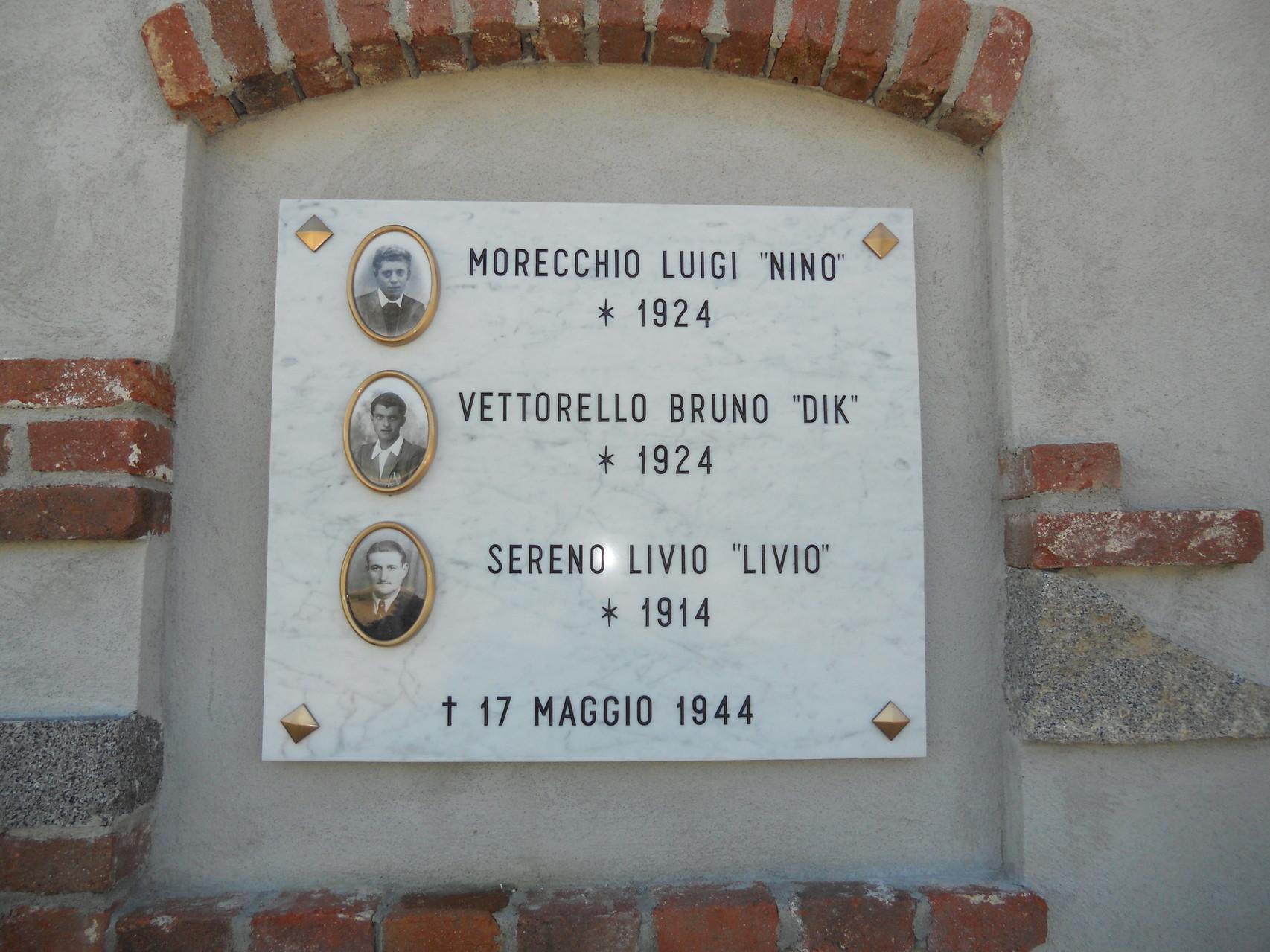 La lapide commemorativa del sacrificio di Luigi Morecchio, Elivio Sereno e Bruno Vettorello