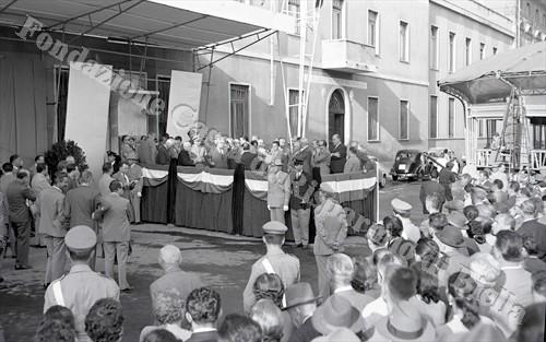 L'inagurazione della Mostra mercato del 1958 con il ministro Pastore (Fondazione Cassa di Risparmio di Biella, archivio Lino Cremon)
