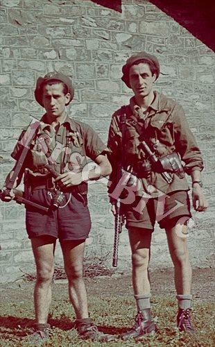 Vincenzo e Antonio Biscotti (Archivio fotografico dell'Istituto per la storia della Resistenza e della società contemporanea nel Biellese, Vercellese e Valsesia, fondo Carlo Buratti)