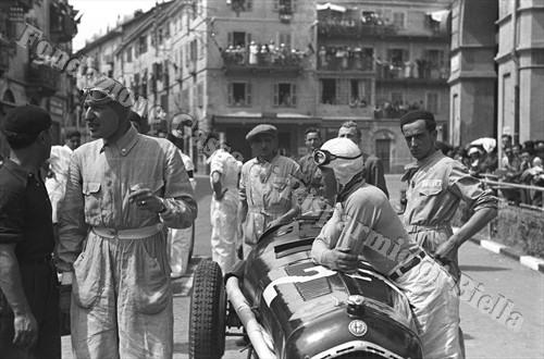 Carlo Felice Trossi (a sinistra) e Tazio Nuvolari, protagonisti di entrambe le edizioni del Circuito automobilistico di Biella (Fondazione Cassa di Risparmio di Biella, archivio Cesare Valerio)