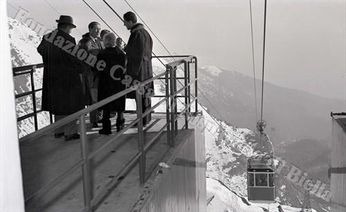 La nuova funivia Oropa-Lago del Mucrone, 1962 (Fondazione Cassa di Risparmio di Biella, archivio Lino Cremon)