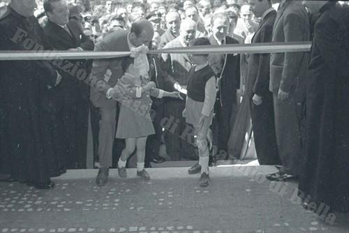 Un momento della cerimonia di inaugurazione (Fondazione Cassa di Risparmio di Biella, archivio Lino Cremon)