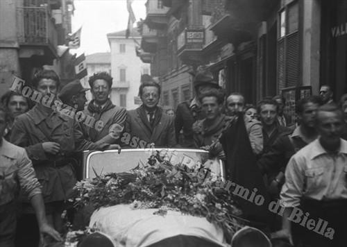 Palmiro Togliatti a Biella, 1945 (Fondazione Cassa di Risparmio di Biella, archivio Cesare Valerio)