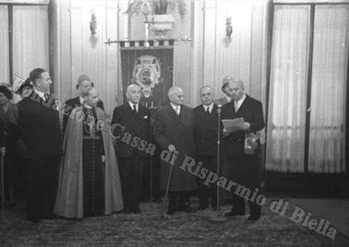 Il Presidente della Repubblica Luigi Einaudi in visita ufficiale a Biella, 1952 (Fondazione Cassa di Risparmio di Biella, archivio Cesare Valerio)