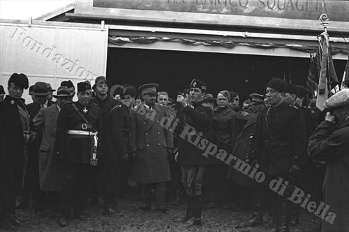 Italo Balbo al campo di volo a vela di Occhieppo Superiore, 1934 (Fondazione Cassa di Risparmio di Biella, archivio Cesare Valerio)