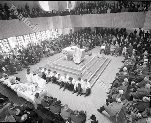 Il vescovo Carlo Rossi durante la celebrazione della Messa (Fondazione Cassa di Risparmio di Biella, archivio Lino Cremon)