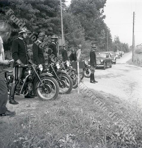 I corazzieri motociclisti di scorta al corteo presidenziale (Fondazione Cassa di Risparmio di Biella, archivio Lino Cremon)