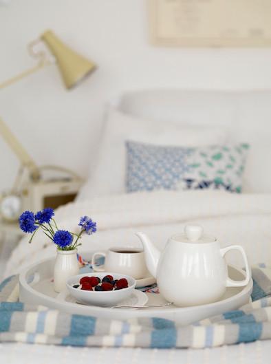 Bett, Tablett, Frühstück, Bettwäsche, Schlafen
