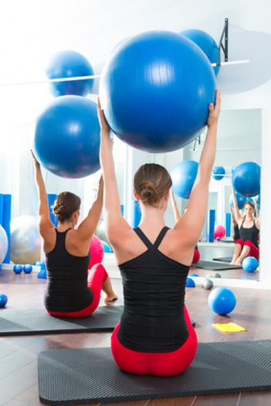rückenübungen, rückenschmerzen übungen, rückenschule übungen, übungen für den rücken, rücken, rücken übungen, übungen gegen rückenschmerzen, rücken trainieren, was tun gegen rückenschmerzen, übungen rücken, rückenmuskulatur stärken, dehnübungen rücken, un