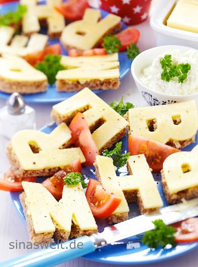 Butterbrot, Käsebrot, Buchstaben, Frühstücksideen für Kinder, Ausstechform