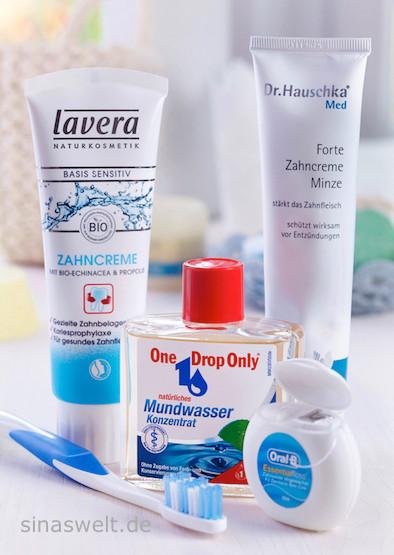 Zahnpflege, Zahnpasta, Zahnseide, Zahnbürste, Mundwasser