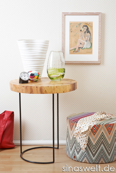 Das gewisse Etwas, Einrichtung, Wandgestaltung, Muster, Farben, kombinieren, Einrichtungstipps, Idee, Tipps, Möbel, Wohnzimmer, Beistellmöbel, Regale, do it yourself, selber machen, Hocker, Vase