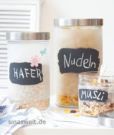 © Dieses Foto von mir ist geschützt. Erhältlich über stockfood.de / Dosen: Ikea