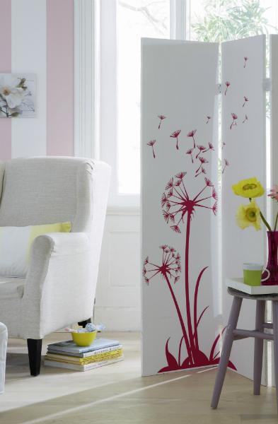 Gästezimmer, Paravent, Sessel, Pustebume, Wandtattoo, Fenstergestaltung
