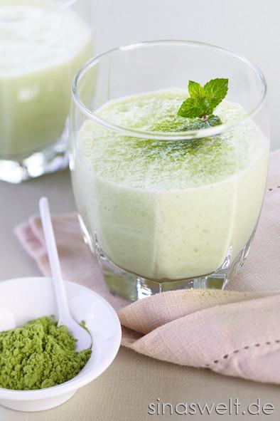 Green Smothie, Säfte, Saft, Weizengras, Powerdrink, gesund, Vitamine, mineralstoffe, selber machen, Entsafter, Saftpresse, Saft, Vitalstoffe, Rohkost, Detox, Entgiften