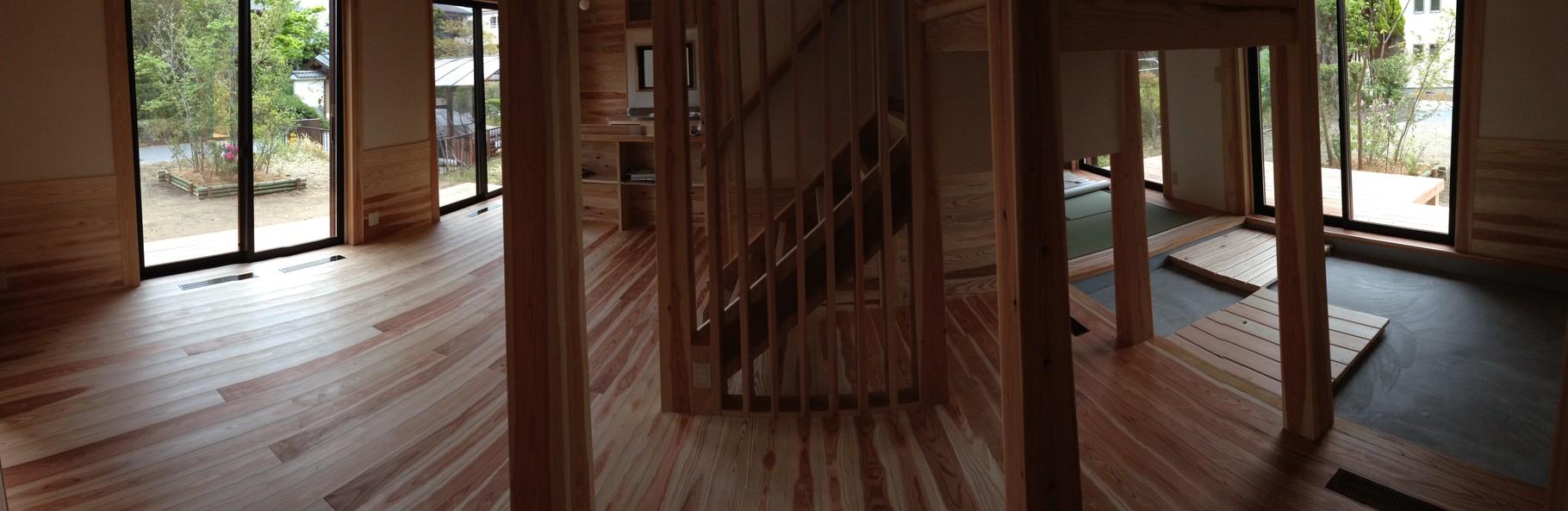 階段は、吹き抜け