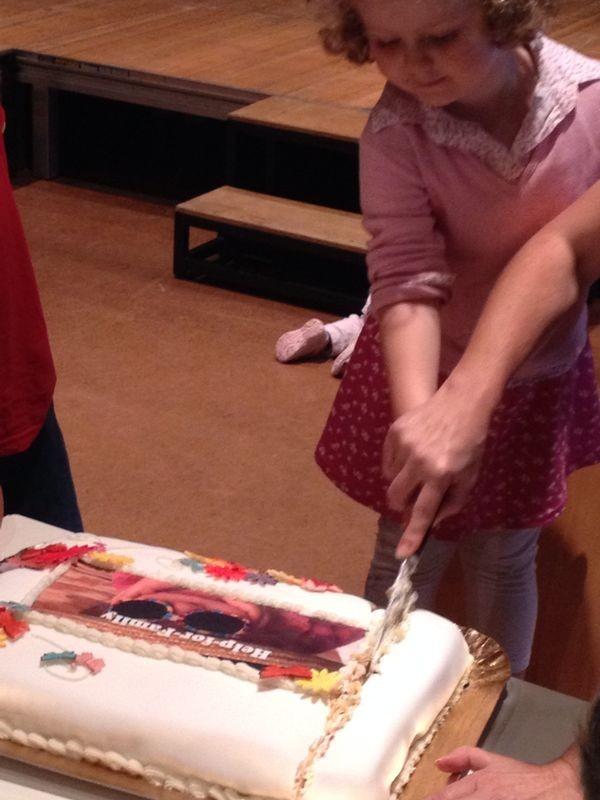 Am Torte anschneiden