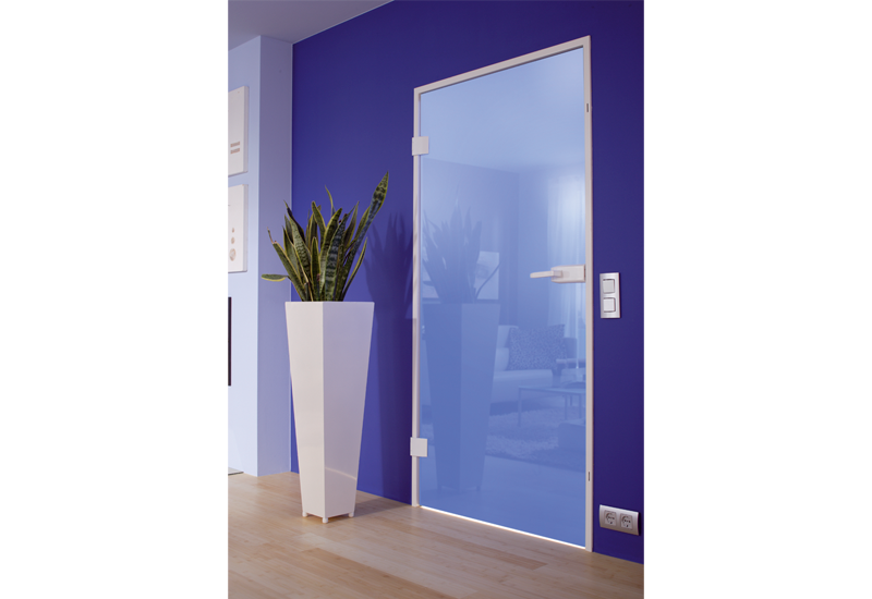 Ganzglastüren ermöglichen Helligkeit und Sichtschutz. © Dorma