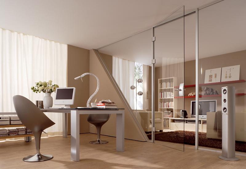 Ganzglastüren lassen Räume größer wirken. © Dorma