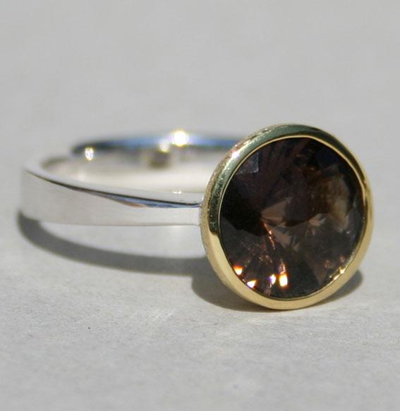 ring-rauchquarz-braun-wirbelschliff-sterling-silber-925-fassung vergoldet