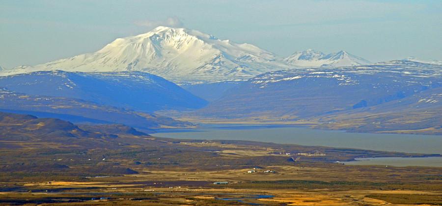 Der Berg Snæfell befindet sich nördlich des Eyjabakkajökull, der nordöstlichsten Gletscherzunge des Vatnajökull.