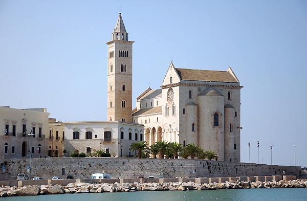 """Kathedrale """"San Nicola Pellegrino"""""""