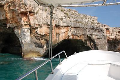 ... vor der Grotta Tre Porte