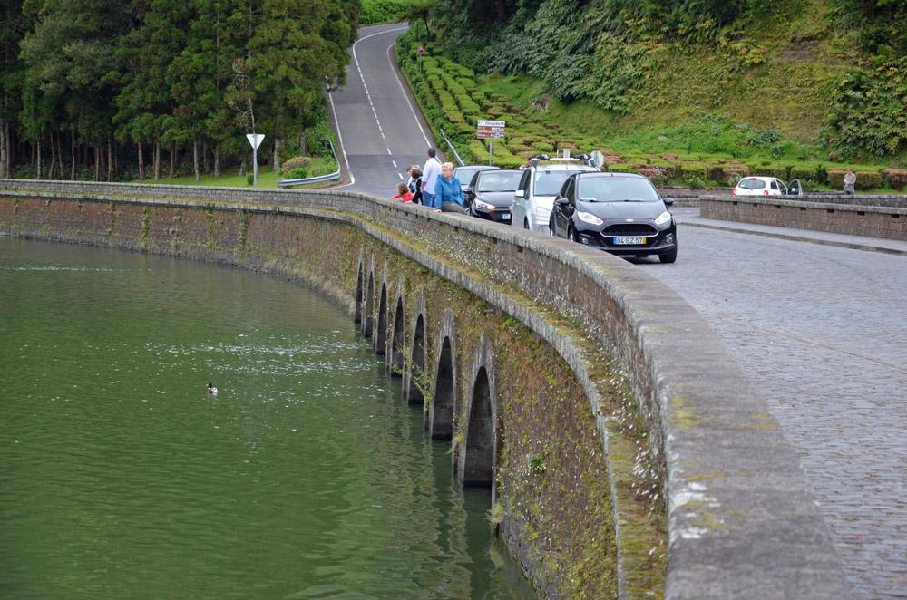Die Ponte dos Regos in Sete Cidades