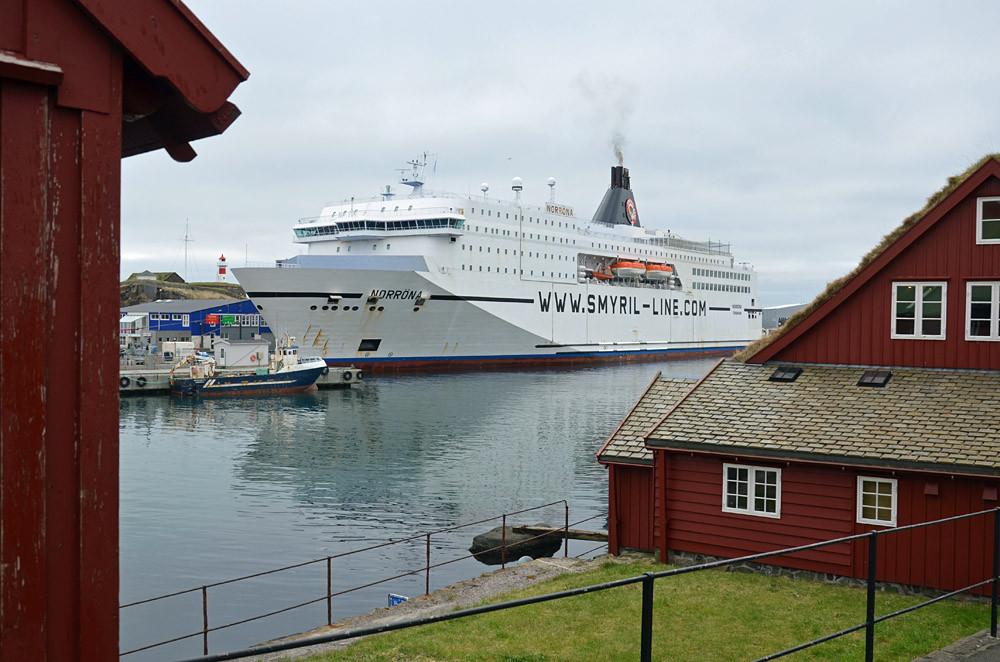 Blick hinüber zur Norröna