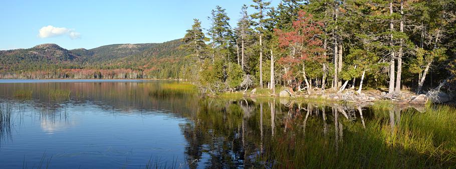 Einer der zahlreichen Seen im wunderschönen Acadia National Park.