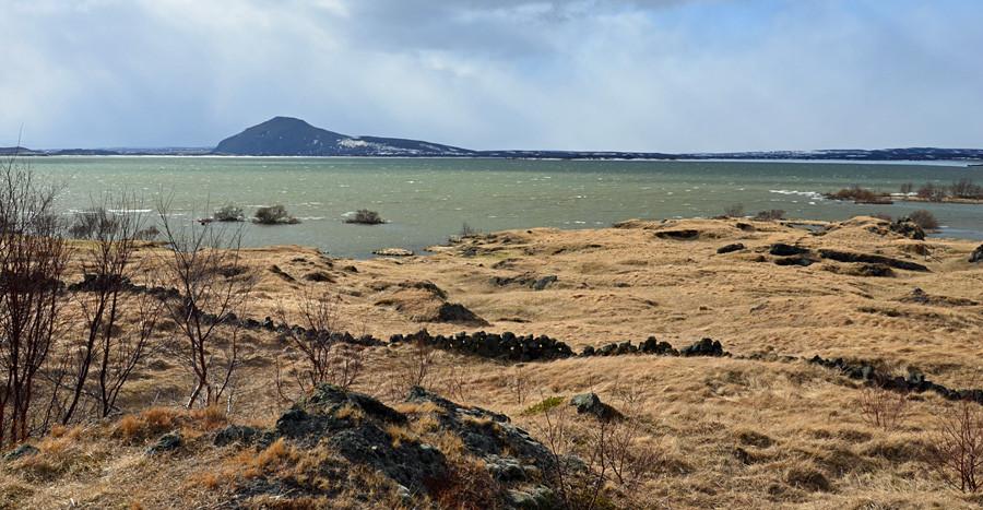 Der Mývatn See bei Reykjahlíð.