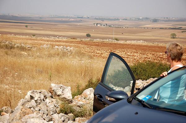 Durch die karge Murgia-Landschaft kommen wir in die Region Basilikata.
