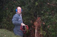 Emmanuel Corroyer, chargé des travaux de jardin