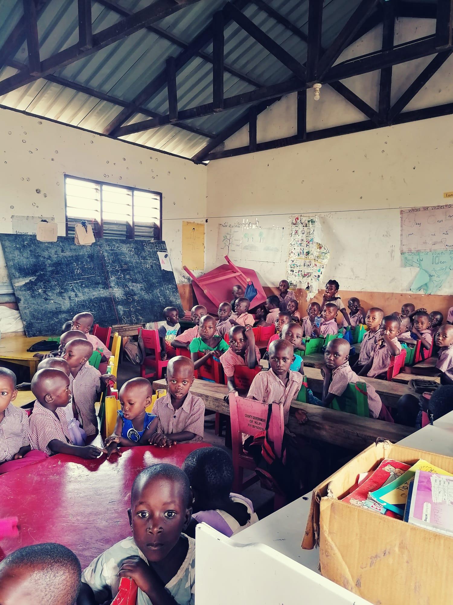 Bis zu 60 Kinder bilden eine Klasse