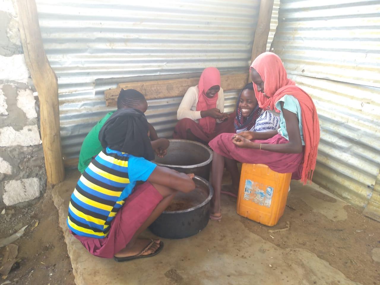 Die Verfügbarkeit von Wasser ermöglich die Verpflegung der Schüler in der Schule