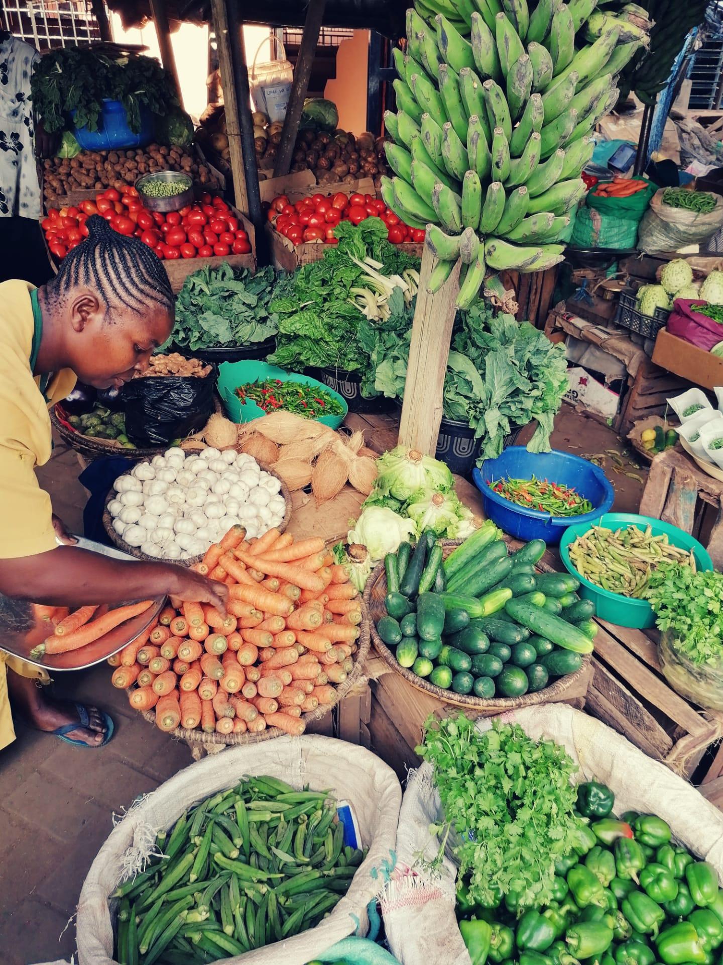 Beste Verpflegung vom lokalen Markt in Malindi (Bild: waytoafrica.ch)