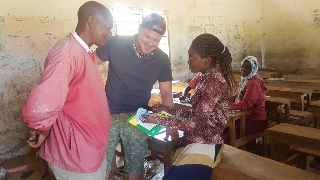 Die Lehrer sowie die Schüler sind sehr dankbar dafür, eine Schule in der Kommune zu haben