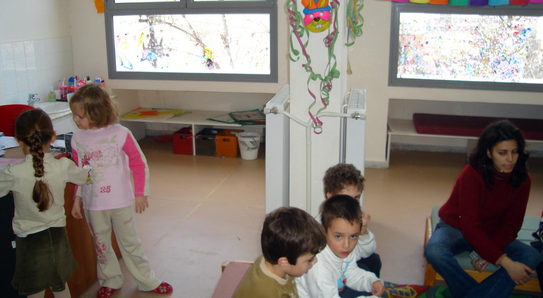"""Ecole maternelle du """"Centre de l'Enfant"""" : la même salle, avant"""