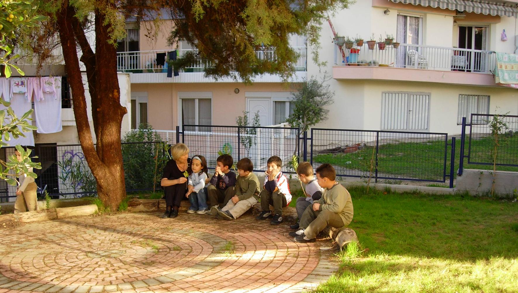 Η υπαίθρια τάξη μετά τον ανασχεδιασμό.