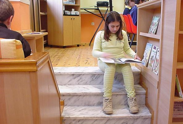 L'élève a la possibilité de s'approprier l'espace scolaire pour créer ses propres lieux.