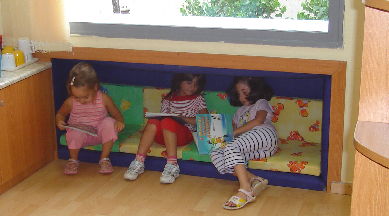 "Child Center. Classroom 1, after : spontaneous activity in the educational place that children call ""the niche""."