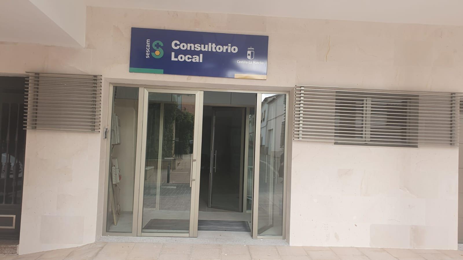 ACABADO SEÑALETICA Y ROTULO EN CENTRO DE SALUD.