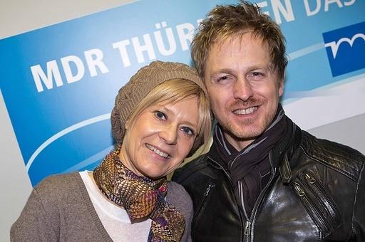 """Jörg Bausch besuchte MDR THÜRINGEN, um sein """"Best of""""-Album vorzustellen. Der symapthische Sänger textet, komponiert und produziert seine Songs selbst. Am 9. März will er in der Arena Oberhausen rund 6.000 Fans von seinen Live-Qualitäten überzeugen."""