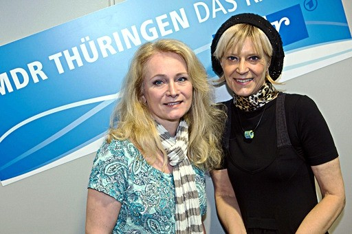 """Nicole mit Kathrin Schirmer!!!! Nicole hatte ihr neues Album """"Alles nur für dich"""" im Gepäck. Ein Song darauf ist in Zusammenarbeit mit den """"Söhnen Mannheims"""" entstanden."""