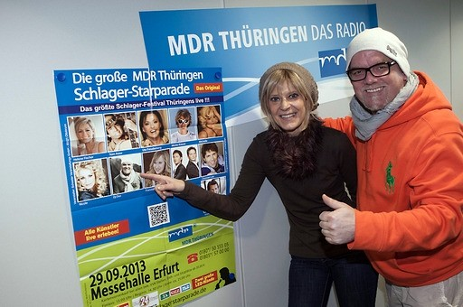 DJ Ötzi wirft gemeinsam mit Moderatorin Kathrin Schirmer schon mal einen Blick auf die Geschehnisse am 29. September 2013 in Erfurt. Dann wird er bei der MDR Schlager-Starparade auftreten.